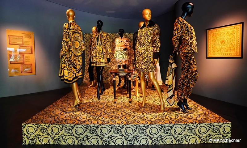 "Gianni Versace Retrospective im ""Museum Art & Cars"" Singen"