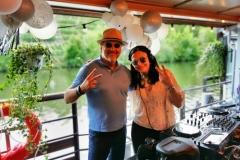DJane Alegra Cole mit N-News.de Redakteur MK Schechler