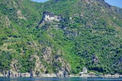 Kloster Simonos Petras vom Meer aus