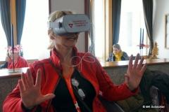 Unsere Redakteurin testet das VR Kino auf der Diavolezza