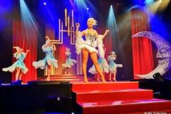 """""""Moon Opening"""" mit Anna Cabaret und den Vegas Showgirls"""