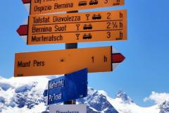 An der Bergstation auf knapp 3.000 Meter