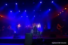 Nightwish fegte über Stuttgart. In bester Walküren-Manier präsentierte die Band Hits aus zwei Dekaden