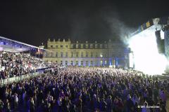Partystimmung mit Parvov Stelar auf dem Stuttgarter Schlossplatz