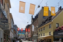 Überall in Bregenz geflaggt für die Bregenzer Festspiele