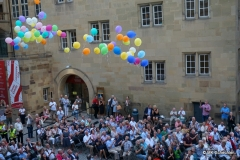 Traditionelles Zeichen für die Weindorferöffnung: Fliegende Luftballone