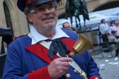 Der Weindorf Büttel läutet jeden Abend den Kehraus ein
