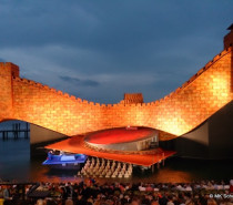 Turandot-Premiere mit viel Wasser