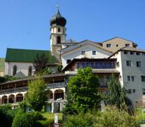 """Der """"neue"""" Turm in Völs am Schlern: Erholung, Genuss und Romantik"""